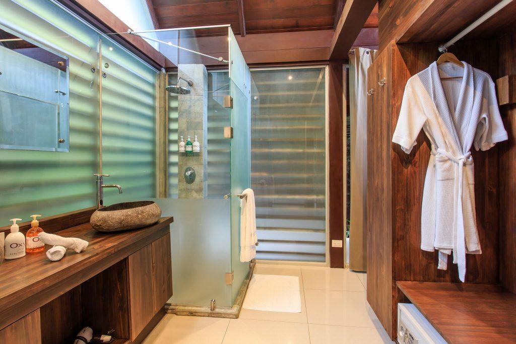 Oxygen Jungle Villas Uvita Costa Rica shower | Costa Pacifica LIVING