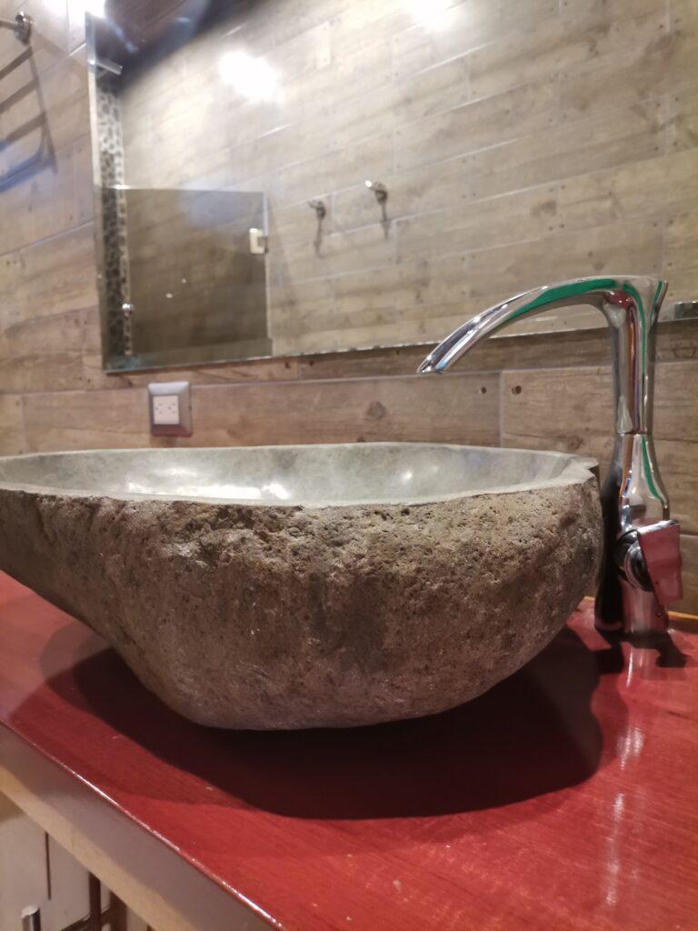 casa-florida-bathroom