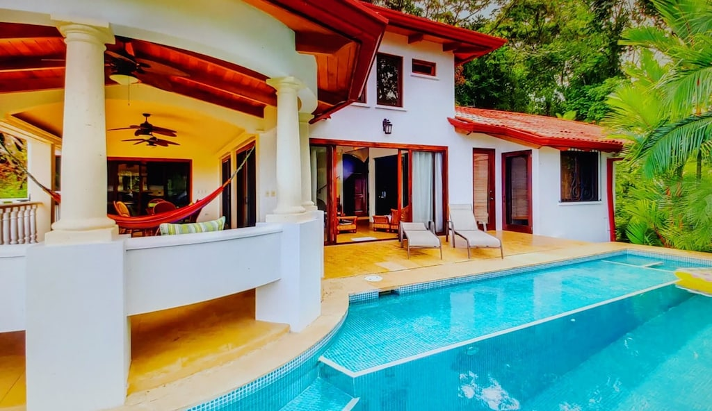lu-dawson-property-management-costa-rica-casa-rose-home-for-rent-dominical-big-pool