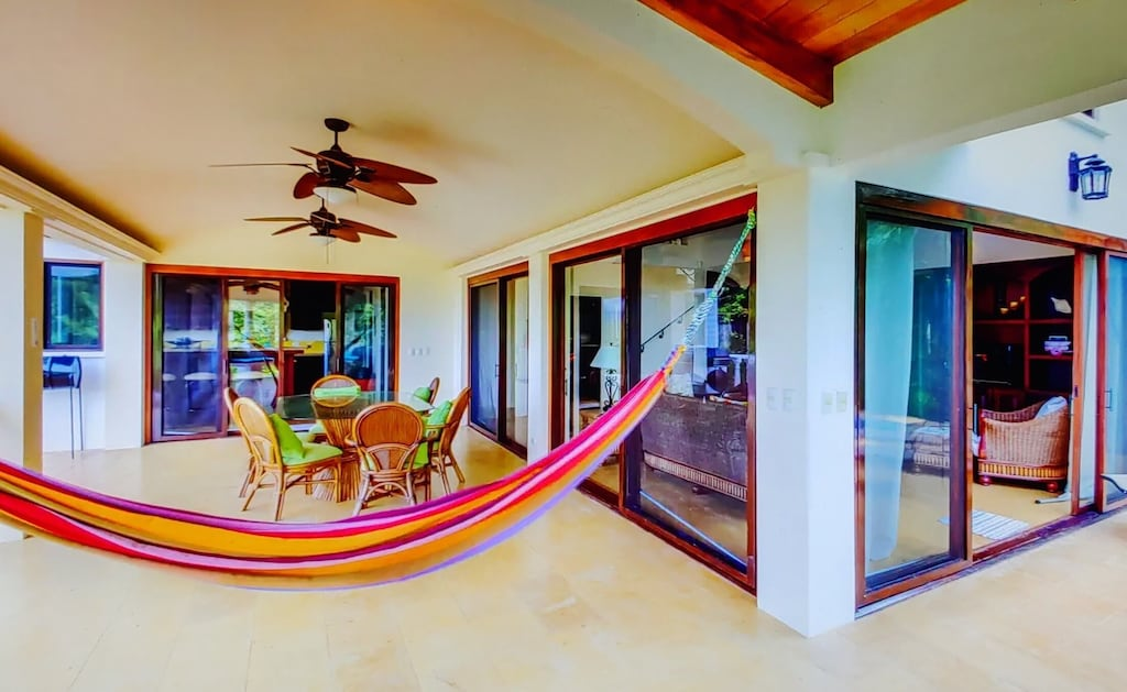 lu-dawson-property-management-costa-rica-casa-rose-home-for-rent-dominical-outdoor-living-space