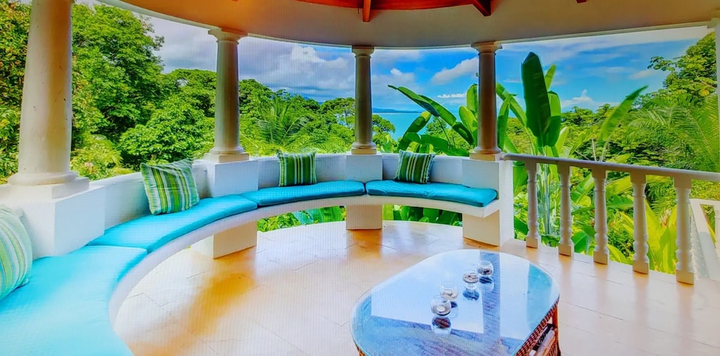 lu-dawson-property-management-costa-rica-casa-rose-home-for-rent-dominical-outdoor-view